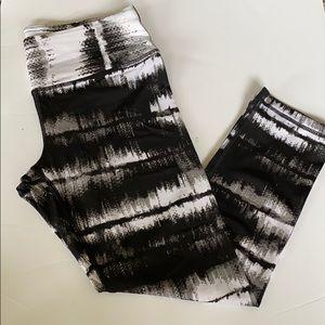 Black and white exercise leggings